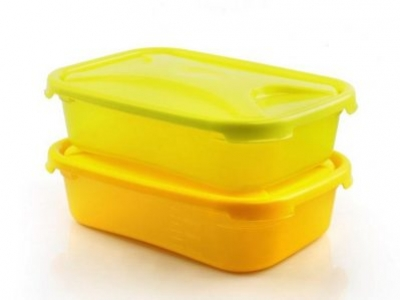Are plastic food containers poisoning us?